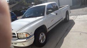 1999 DODGE DAKOTA V8 for Sale in Whittier, CA