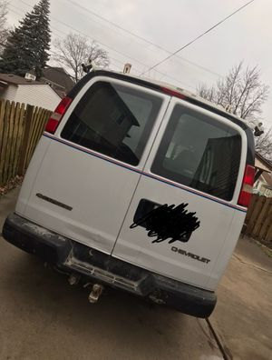 Cargo 2006 Chevy Express 2500 for Sale in Dearborn, MI