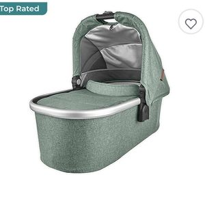 Free 2010 Uppababy Bassinet for Sale in Moreno Valley, CA