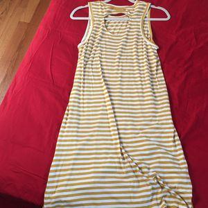 Beautiful yellow stripe sleeveless Dress for Sale in Darien, IL