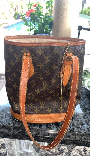 Louie Vuitton Bag for Sale in Lake Worth, FL