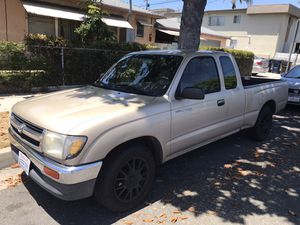 '97 Toyota Tacoma (clean title) for Sale in Hawthorne, CA