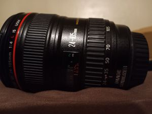 Canon 24-105mm USM IS II Macro mint condition for Sale in Milpitas, CA