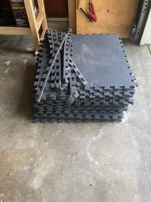 Interlocking exercise mats (24) for Sale in Whittier, CA