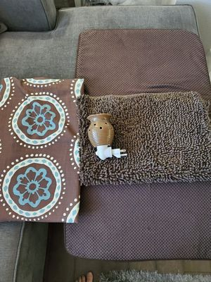 Shower Curtain, Scentsy Plug In and Bath Mat for Sale in Snohomish, WA