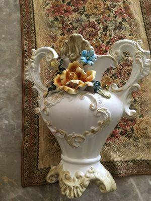 Flower vase for Sale in Fort Lauderdale, FL