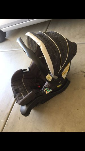 Eddie Bauer Car seat for Sale in Phoenix, AZ