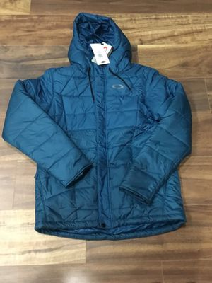 Oakley Down Jacket (Reduced) Patagonia for Sale in Irvine, CA