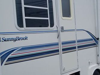 2001. 27ft Sunnybrook Travel trailer for Sale in Everett,  WA