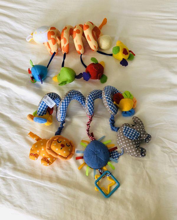 Baby spiral crib bed stroller plush toys (2 pack)