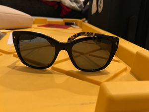 Women's Prada sunglasses for Sale in La Verne, CA