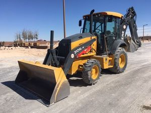 Looking for Experienced Backhoe Operator/ busco Operador con experencia for Sale in Anaheim, CA