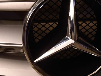 Mercedes Benz Grill Garage Eye Candy for Sale in Charlotte,  NC