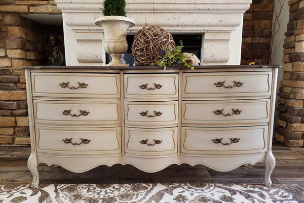 Dresser/TV stand