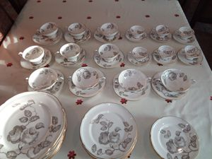 Beautiful china set for Sale in OLD RVR-WNFRE, TX