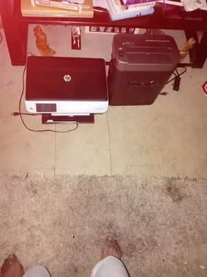 First $30 gets printer and shredder Both works Good for Sale in Houston, TX