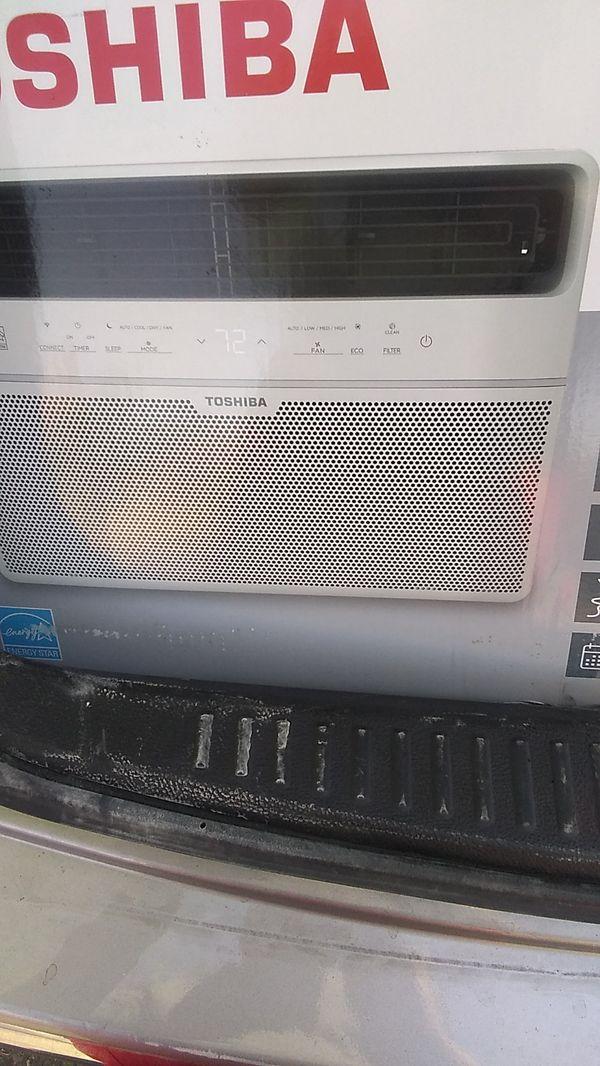 8000 BTU AC window unit Toshiba
