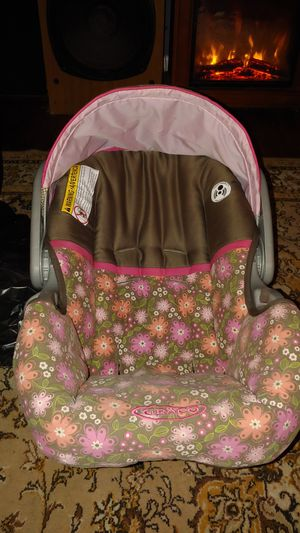 Baby girl Garcia and a toddler booster and car seat for Sale in Pensacola, FL