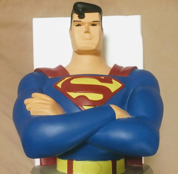 LIKE NEW Warner Brothers Large Superman Bust Statue