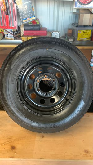 4 225/75R15 tires and rims for Sale in Nuevo, CA