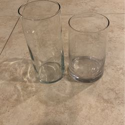 2 Glass Flower Vases for Sale in Fort Lauderdale,  FL