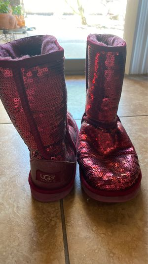 Red sequined Uggs size 9 for Sale in Sun City, AZ