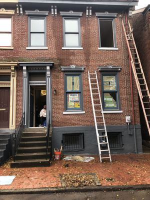 32' fiberglass ladder for Sale in Coraopolis, PA