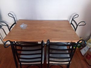GREAT DEAL! /Real pine wood dinning table! for Sale in Orlando, FL