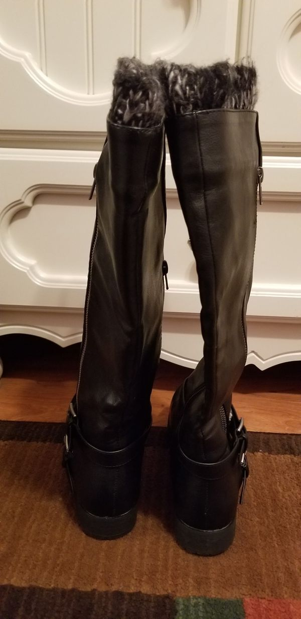 Just fab 7.5 gently worn women's black n grey boots $7
