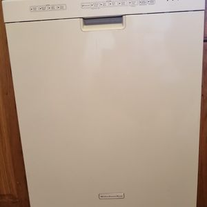 Dishwasher for Sale in Glen Burnie, MD