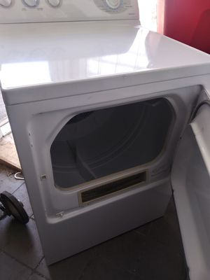 GE washer an electric dryer for Sale in St. Louis, MO