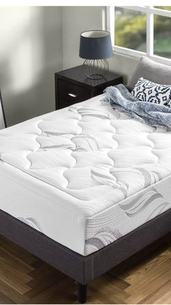 ZINUS 12 Inch Cloud Memory Foam Mattress / Pressure Relieving / Bed-in-a-Box / CertiPUR-US Certified, King for Sale in Fresno,  CA
