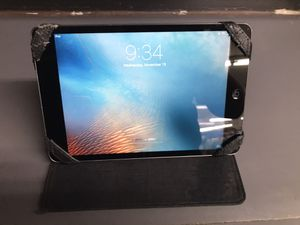 Apple tablet (Negotiable) for Sale in Los Angeles, CA