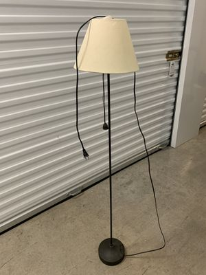 Floor lamp 4 ft for Sale in Austin, TX
