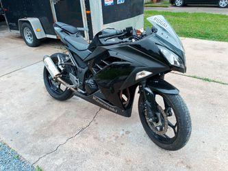 2014 Kawasaki Ninja 300  for Sale in Spring, TX