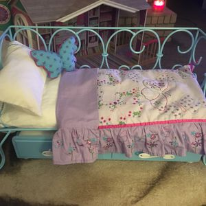 American Girl Doll Retired Curly Cue Bed, With Trundle And Bedding! for Sale in Gastonia, NC