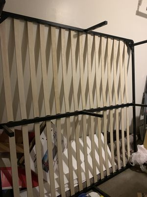 King bed base for Sale in Columbus, OH