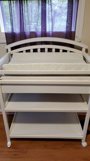 Like knew very very nice changing table for Sale in Columbus, OH