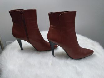 Size 9 - Nine West Red Boots - Like New Condition! for Sale in Fairfax,  VA