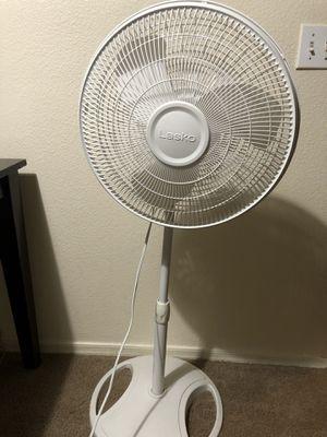 """16"""" oscillating pedestal fan for Sale in Phoenix, AZ"""