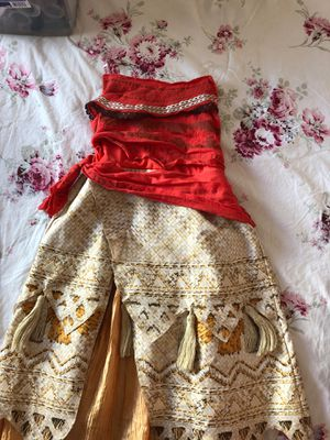 Girls moana costume size Medium for Sale in Hanford, CA