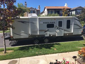 Beautiful 2013 26' Jayco Whitehawk Travel Trailer for Sale in Simi Valley, CA