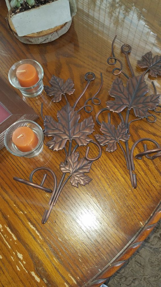 Home decor, wall hanging candles with maple leaf ornament