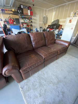 Brown leather reclining couch and recliner for Sale in Morgan Hill, CA