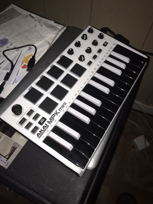 Akai MPK Mini for Sale in St. Louis, MO