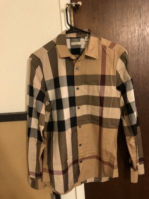 Original Burberry Long Sleeve for Sale in Fresno, CA