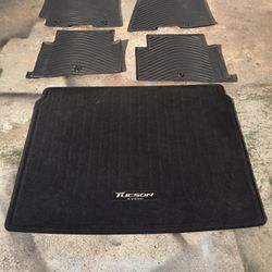 Original Floor Mats Hyundai Tucson 2016-2018 for Sale in Glendale Heights,  IL