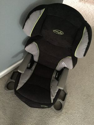 Booster seat with back for Sale in Richmond, VA