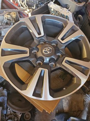4 oe Toyota Tacoma wheels for Sale in Norwalk, CA