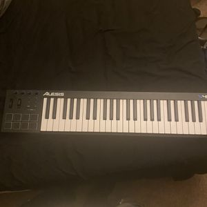 Alesis 49 Midi Keyboard for Sale in Buffalo, NY